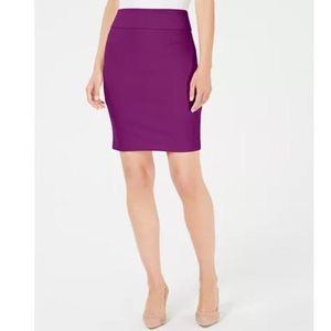 Alfani Crepe Pencil Skirt M Fuchsia